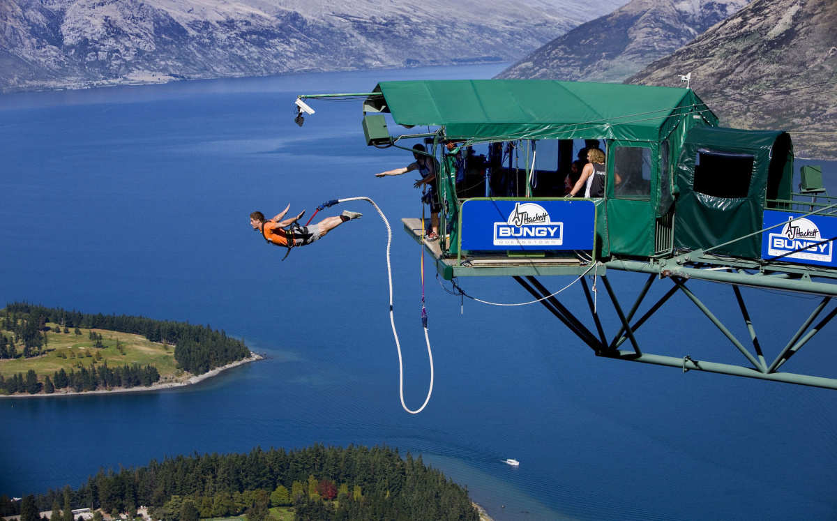 best bungee jump sites in the world - face your fear of height