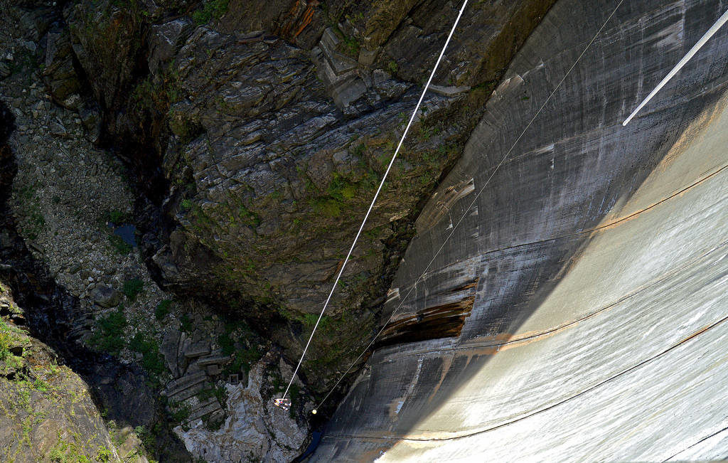 Bungee Jump in Verzasca Dam, Ticino, Switzerland 220 meters - 198 USD